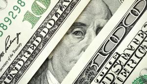 Курс доллара снижается на фоне статистики