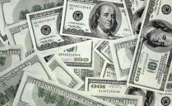Курс доллара поднялся до максимальной отметки за две недели