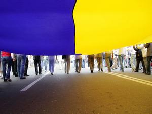 Почему власти не спешат переписывать Украину заново?
