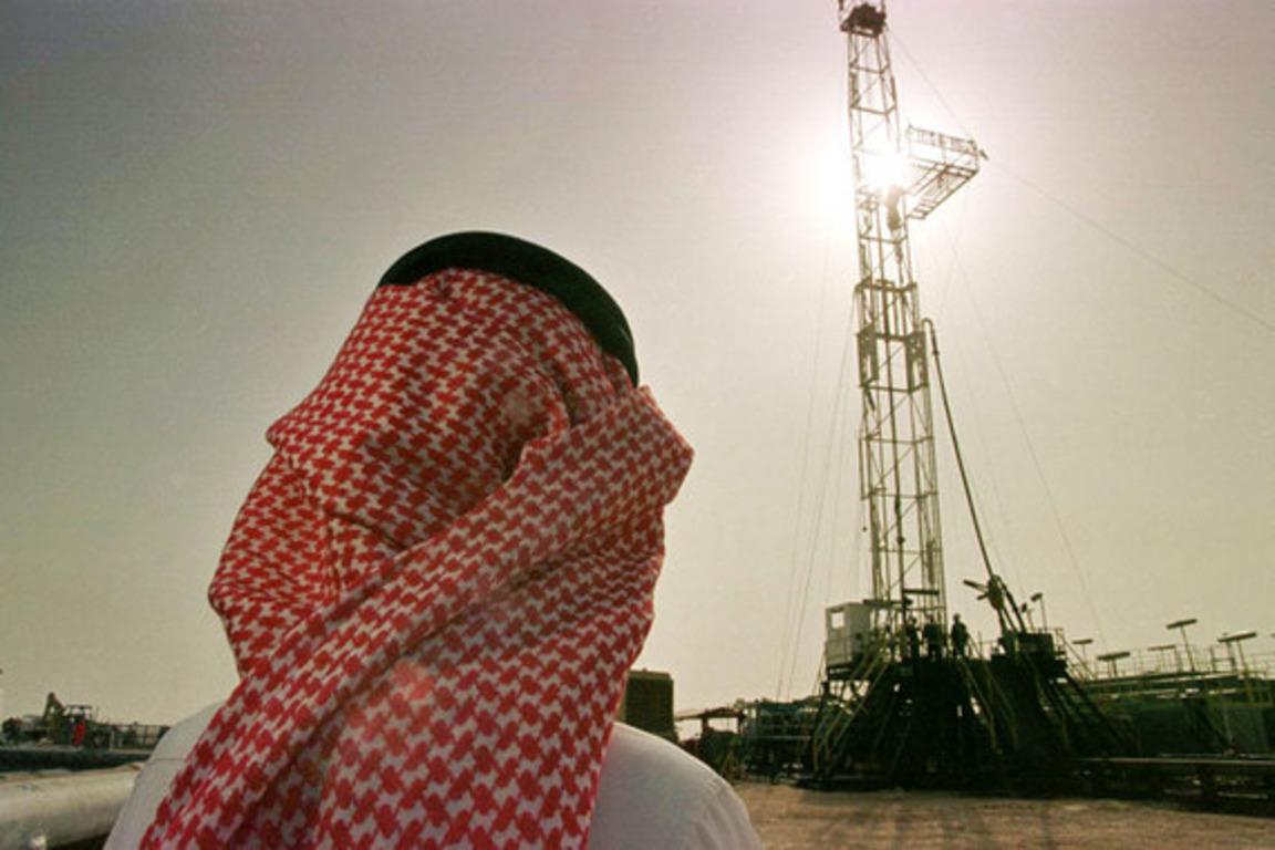 СМИ: Саудовская Аравия использует нефтяной рынок для сдерживания Ирана
