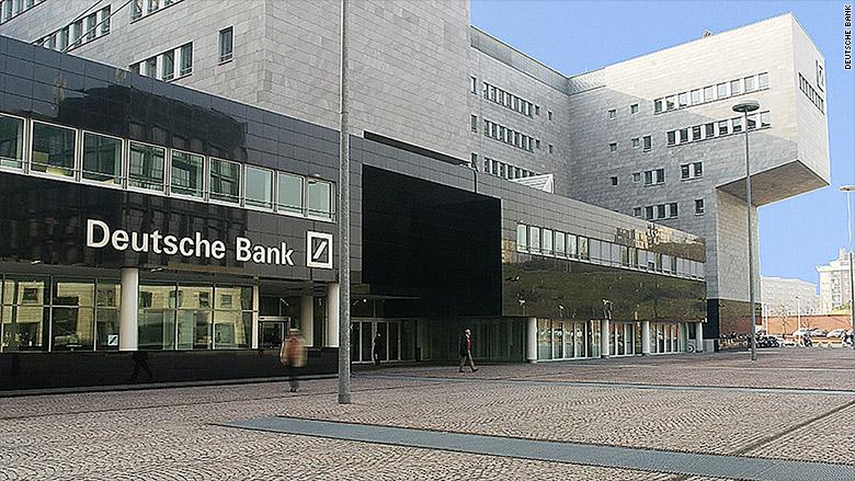 Акции Deutsche Bank обвалились до рекордных минимумов