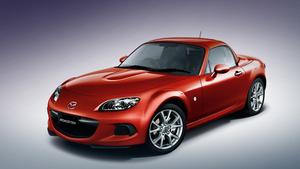 Появились фотографии обновленной Mazda MX-5