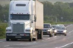 Язык шоферов: как общаться на дороге (сигналы фарами, поворотниками, руками)