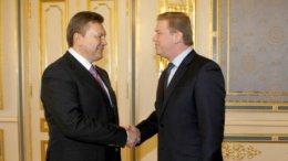 Янукович ищет