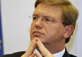 Комиссар ЕС обеспокоен негативными тенденциями в Украине