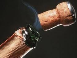 Праздники под угрозой: в мире почти не осталось шампанского