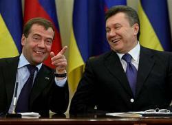 Киев и Москва разыгрывают спектакль