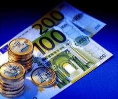 Валюта падает, вкладчики теряют