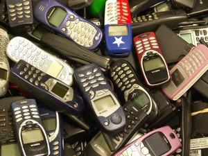 Названы самые популярные мобилки б/у