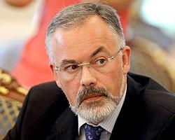 Д.Табачник: Абитуриенты до конца 2011 г. смогут подавать заявки в вузы через Интернет