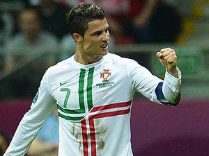Сборная Португалии стала первым полуфиналистом Евро-2012