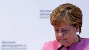 Меркель не позволит отменить антироссийские санкции