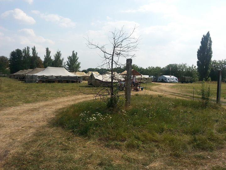 Нужна помощь лагерю беженцев в Волновахе