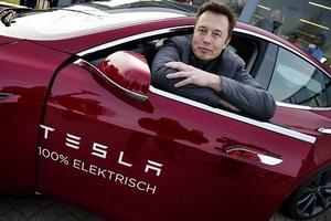 Tesla балансирует на грани