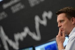 Слабые данные по ВВП отправили основные фондовые индексы в красный сектор