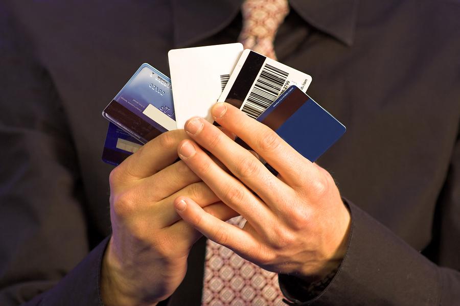 Банки сыграют в карты
