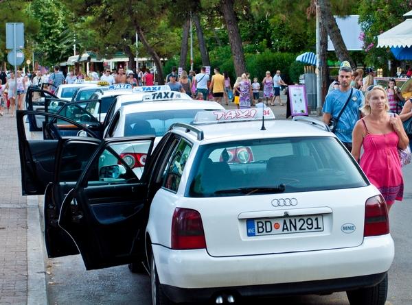 Такси или аренда авто: что лучше?