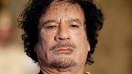 Бойцы в Ливии начали сносить резиденцию Каддафи