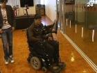 Разработана инвалидная коляска, которая перемещается силой человеческой мысли