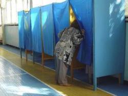 Придя к власти ПР разрешила пользоваться телефонами в кабинках для голосований