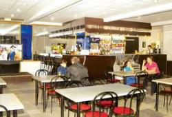Подросткам хотят запретить посещать кафе по вечерам