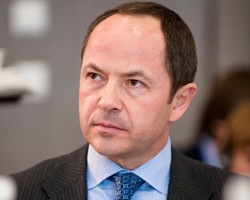 С.Тигипко: МВФ в апреле примет решение о выделении очередного транша Украине