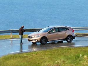 Volvo готовит псевдокроссовер на базе V40