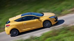 Изучаем двуличность хот-хэтча Renault Megane RS