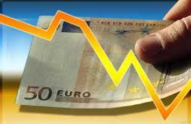 Евро подешевел до $1,3894 в ожидании данных о деловом доверии в Германии