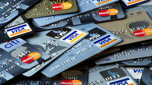 "Украинцы ""сбрасывают"" кредитные карты"