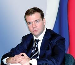 Медведев начнет помогать россиянам «выживать» в Украине