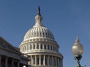 Сенат США продлил право спецслужб на прослушку