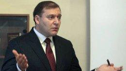 Добкин разрекламировал свой разрешительный единый центр