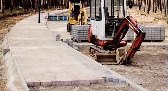 На автомобильных дорогах Киевской области проводятся работы по обустройству остановок общественного транспорта