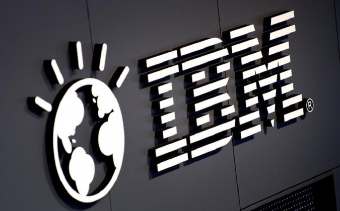 Квартальная прибыль IBM продолжает снижаться