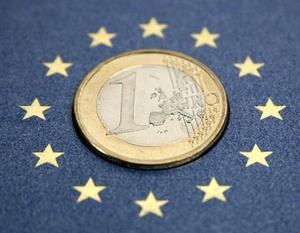 Еврозоне предрекли второй год рецессии