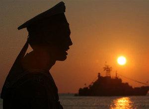 Черноморский флот опять берут на абордаж