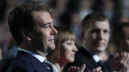 Медведев видит президентом России Путина