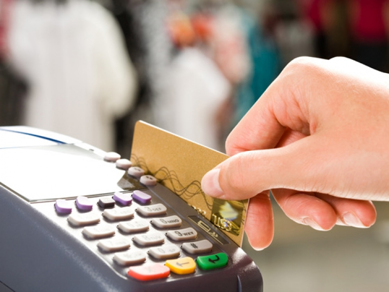 Треть европейцев готовы полностью отказаться от наличных денег