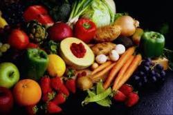 Украинцы уже переплачивают за овощи и фрукты 43%
