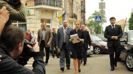 Судья не дает Тимошенко упоминать фамилию Хорошковского