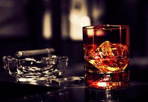 Дорогое удовольствие: алкоголь и сигареты вырастут в цене