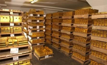 Украине грозит дефолт. Нацбанк распродает золото. Банки VAB и City Commerce объявлены банкротами