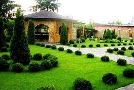 Как построить VIP-садик возле дома