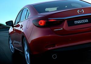 Универсал Mazda6 засветился на снимках церемонии с завода