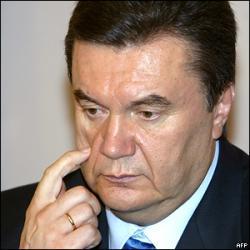 После общения с народом Януковичу сделали операцию?