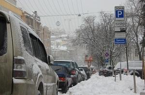 В Киеве нашлись те, кто зарабатывает на снегопаде