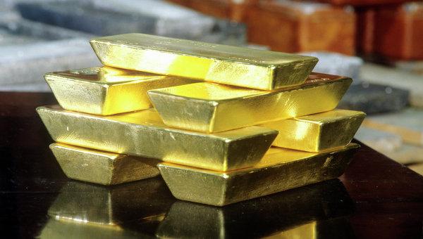 Нестабильность в мире создает бум на золото