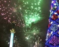 Сегодня засветится главная новогодняя елка страны