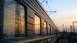Янукович хочет запретить ночные поезда